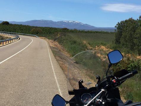 ruta en moto por los montes alquilianos